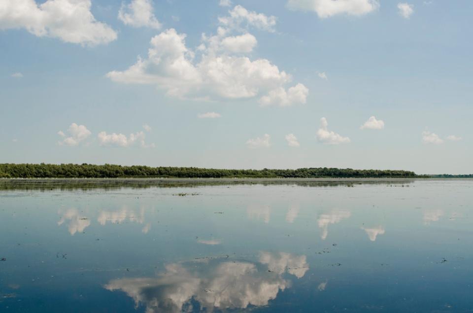 Oglindă pe Lacul Obretinu Mic
