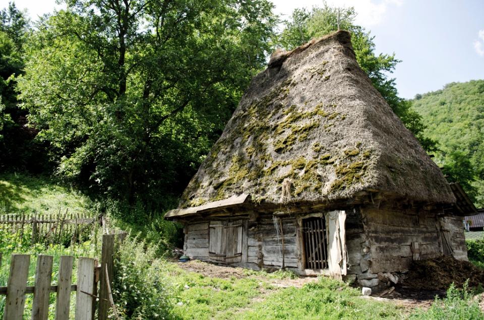 Un vechi grajd