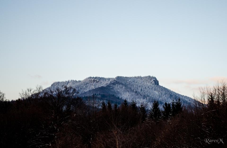 După ce am părăsit Scaunul, l-am admirat de la distanță... de vreo 2 ore, așa cum se măsoară distanțele pe munte :)