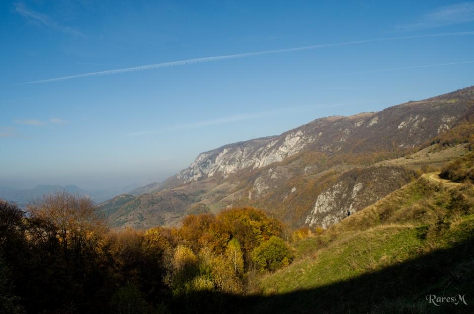 Vedere cu partea vestică a Masivului Bedeleu